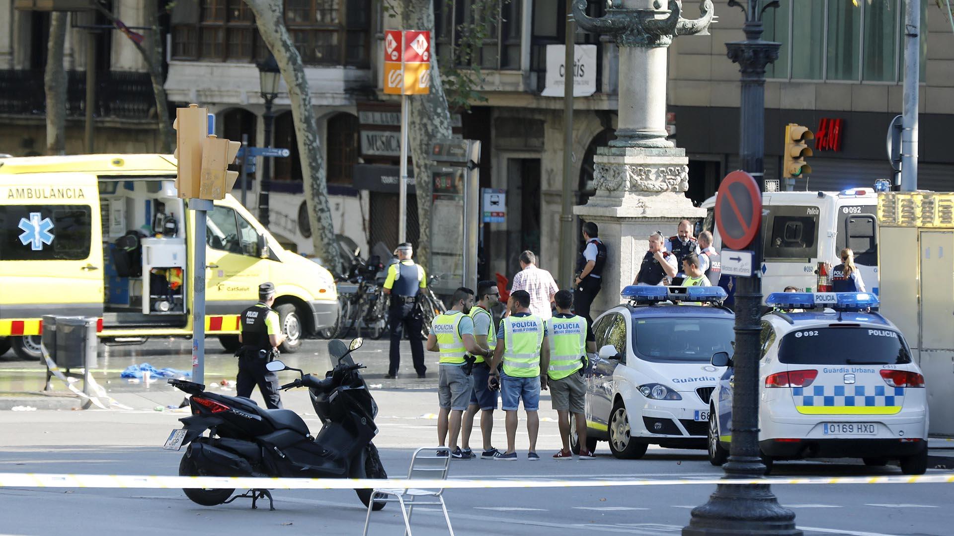 accidente-rambla-barcelona-atentado-13