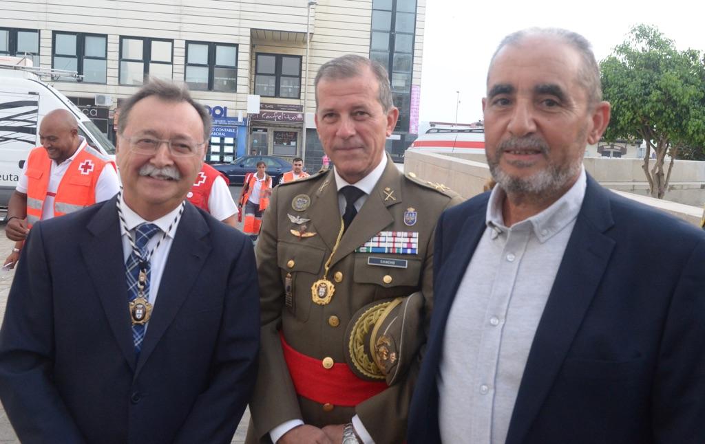 El Presidente Vivas, el Comandante General y el delegado de la CIE en Ceuta