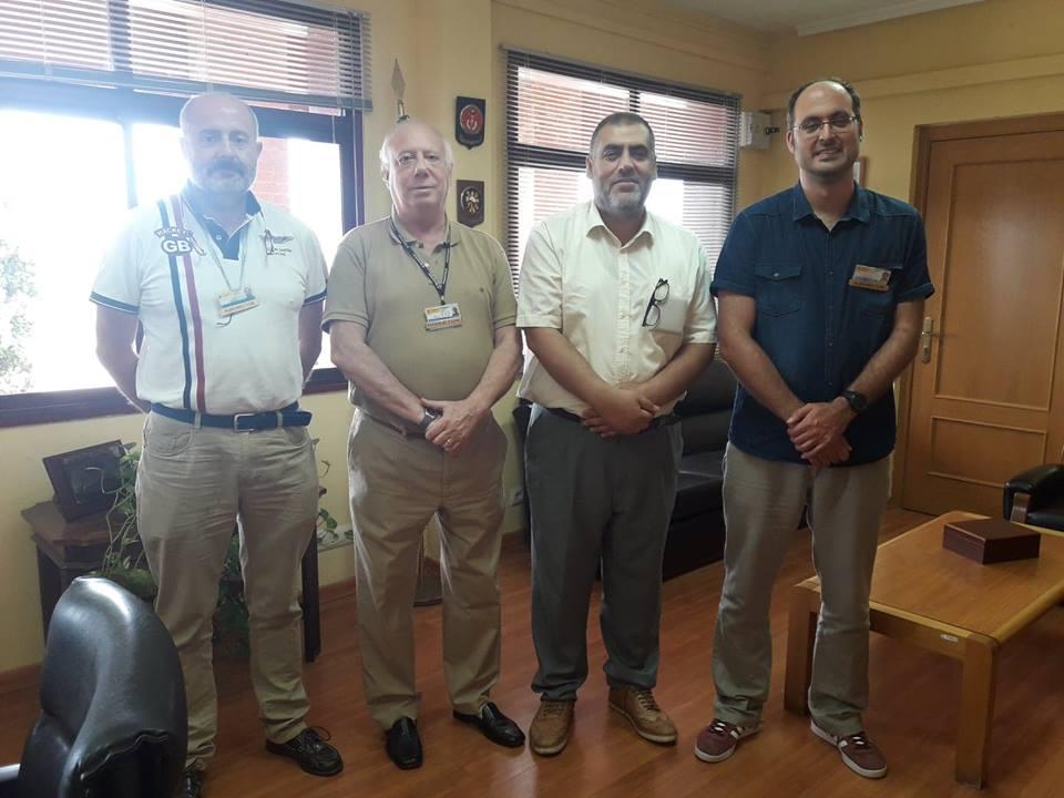 El imán de Badajoz, Adel Najjar con el Director del centro penitenciario de Badajoz César Montero de Espinosa; el Subdirector de Seguridad, Segundo Díaz Gutiérrez; y el Subdirector de Tratamiento, Víctor Monjo .