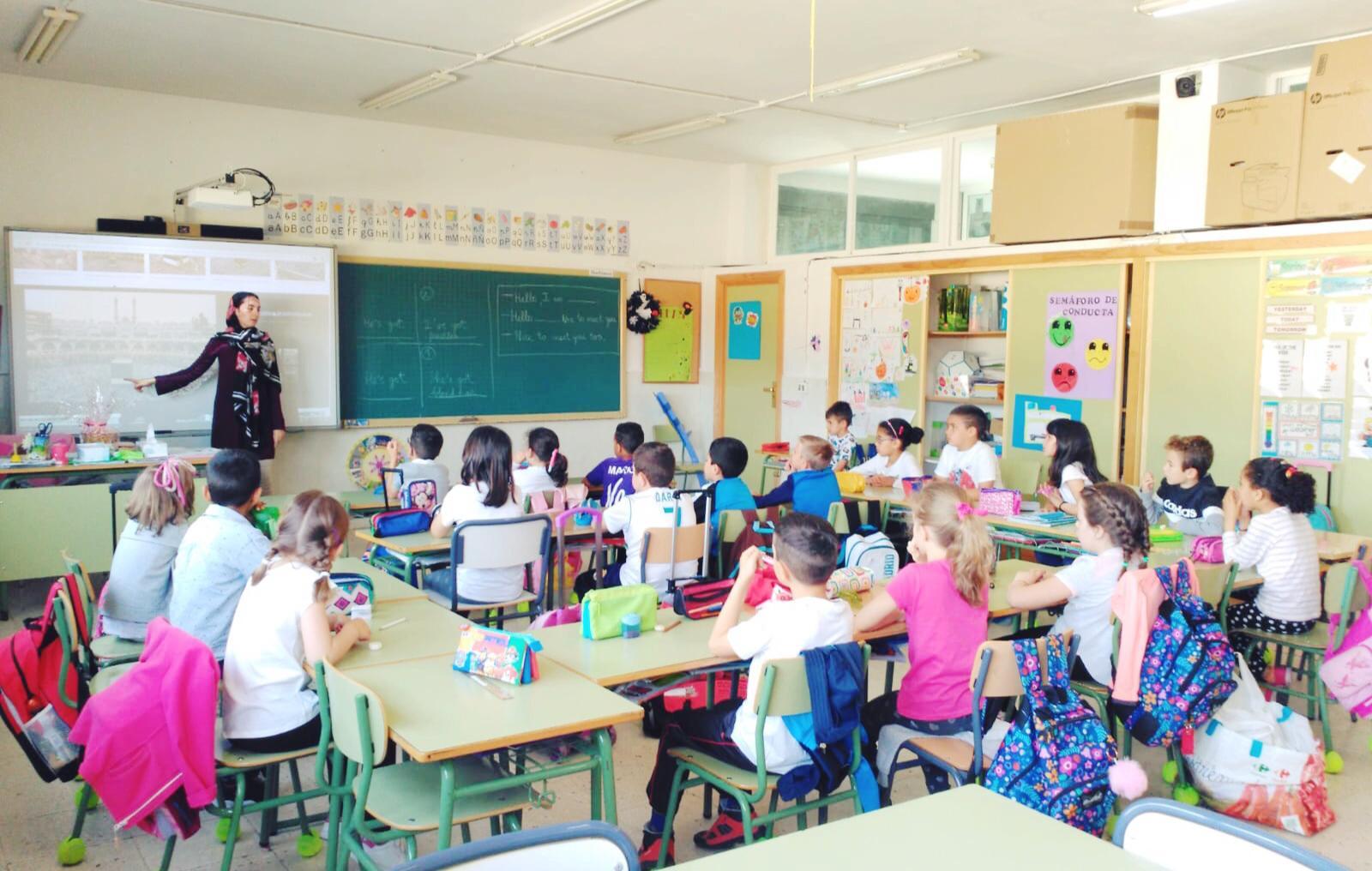 Farah Aeme, profesora de religión islámica en los dos colegios de Jaraíz de la Vera (Cáceres),